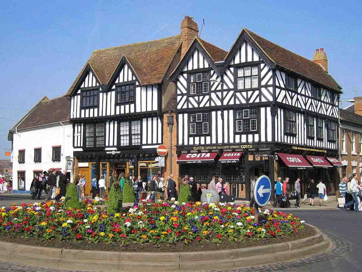 stratford upon avon singles Day 1 - stratford-upon-avon make your own way to the historic town of stratford-upon-avon today, the birthplace of william shakespeare on arrival at your centrally.